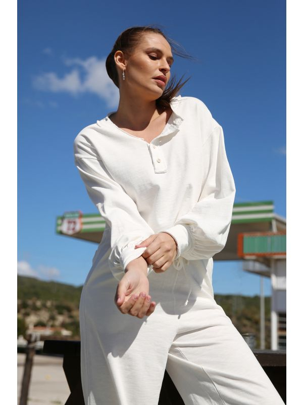 SPRING MELODY WHITE SWEATER